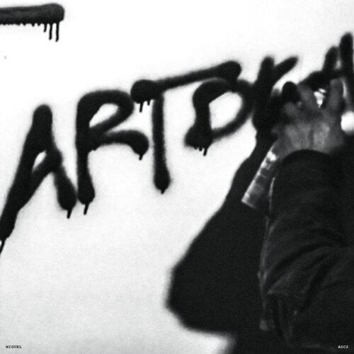 Art Dealer Chic 2