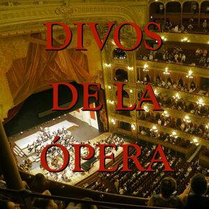 Los Divos de la Ópera
