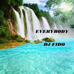 Everybody (feat. DJ Fido)