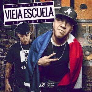 Vieja Escuela (feat. Yunoe)
