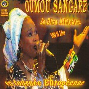 La diva africaine en tournée européenne - 100% Live