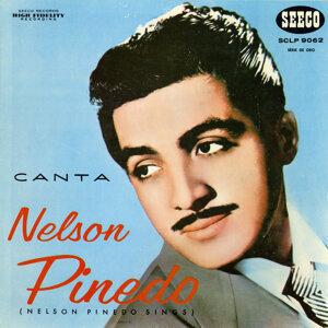 Canta Nelson Pinedo