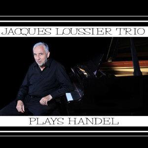Plays Handel