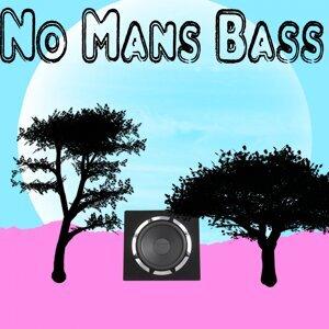 No Mans Bass