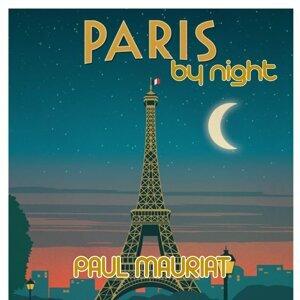 Paris by Night Medley: Sous le ciel de Paris / Padam padam / La vie en rose / C'est si bon / I love Paris / Paname / April in Paris / Domino / La gamin de Paris / Mademoiselle de Paris / Paris canaille / J'aime Paris au mois de mai / À Paris / Pigalle / L