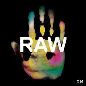 Raw 014