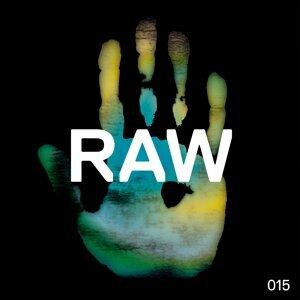 Raw 015