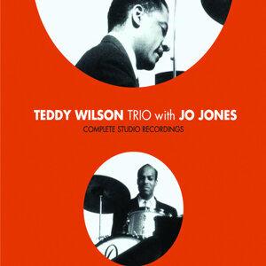 Complete Studio Recordings with Jo Jones (Bonus Track Version)
