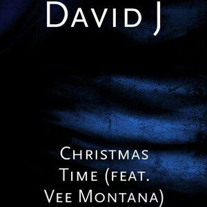 Christmas Time (feat. Vee Montana)