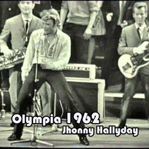 Olympia 1962 Medley: Laissez-nous twister / Elle est terrible / L'idole des jeunes / C'est une fille comme toi / Dans un jardin d'amour / Serre la main d'un fou / Pas cette chanson / Sam'di soir / Retiens la nuit / La Bagarre / Rebel Rouser + Solo des mus