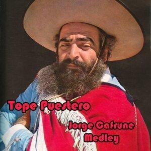 Tope Puestero Medley: Tope Puestero / La Yapita / Camino De Los Quileros / Zamba De Oran / Fule Mandinga / En Mi Valle De Punilla / Anocheciendo Zambas / Salto Grande / Cancion Al Regreso / Chasca Habia Sido / Atardecer De Primavera / Como Yo Lo Siento