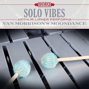 Solo Vibes: Arthur Lipner Performs Van Morrison's Moondance