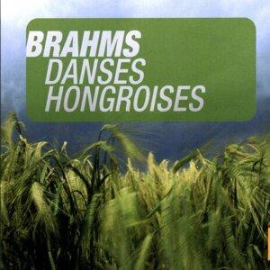 Brahms: Danses Hongroises (Valses)