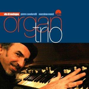 Organ Trio Play Modern Jazz Standards