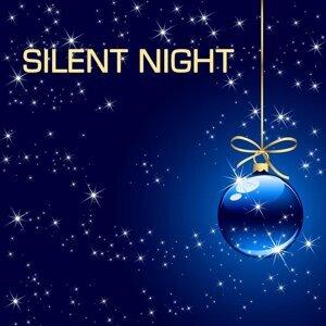 Silent Night and Many More Classical Christmas Songs and Christmas Music Favourites, Christmas Carols and Traditional Christmas Music