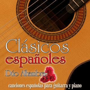 Clásicos Españoles. Canciones Españolas para Guitarra Flamenca Y Piano