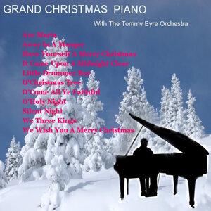Grand Christmas Piano