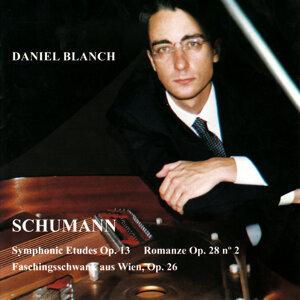 Schumann: Estudios Sinfonicos Op. 13, Romanza Op. 28, Carnaval de Viena Op. 26