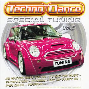 Spécial Tuning Vol. 5 (Les Gros Sons Techno Dance Pour Ta Voiture)