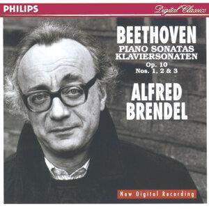 Beethoven: Piano Sonatas Nos.5, 6 & 7