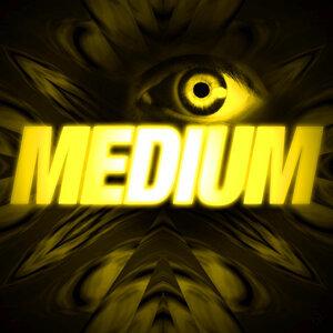 Médium (Version Longue Inédite - Générique / Thème Série Télé)