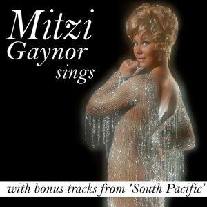 Mitzi Gaynor Sings