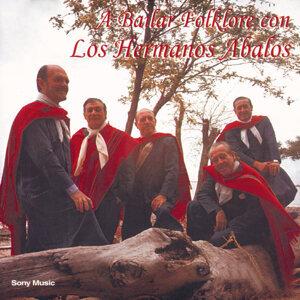 A Bailar Folklore Con Los Hermanos Abalos