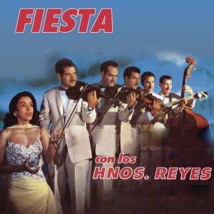Fiesta Con Los Hermanos Reyes