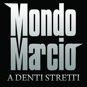 A Denti Stretti