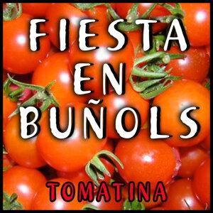 Fiesta En Buñol. La Tomatina De Bunyol