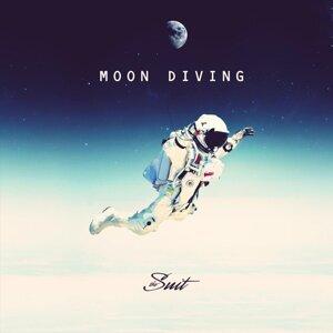 Moon Diving