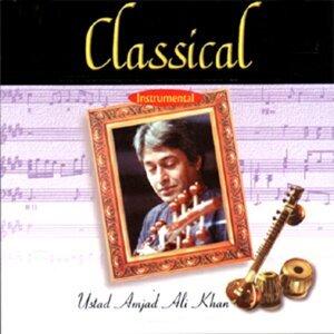 Classical Instrumental: Ustad Amjad Ali Khan - Live At Savai Gandharva Festival, Pune