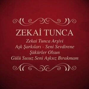 Zekai Tunca Arşivi - Aşk Şarkıları - Seni Sevdirene Şükürler Olsun - Gülü Susuz Seni Aşksız Bırakmam