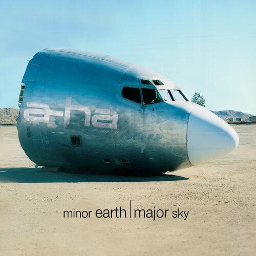Minor Earth, Major Sky - Deluxe Edition