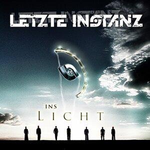 Ins Licht