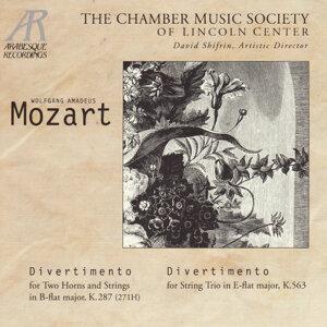 Mozart: Divertimentos