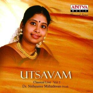 Utsavam, Vol. 1 - Live