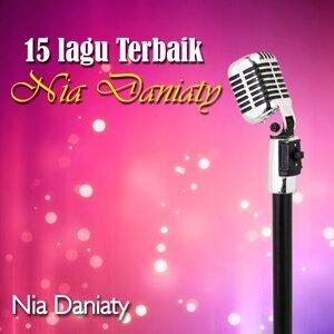 15 Lagu Terbaik Nia Daniaty