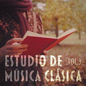 Estudio de Música Clásica, Vol. 3 (Una selección de obras de Bach, Beethoven, Mozart, Satie, Debussy y Chaikovski para Relajarse)