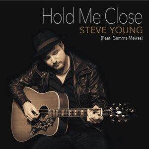 Hold Me Close (feat. Gemma Mewse)