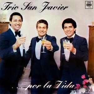 Trío San Javier ... Por la Vida