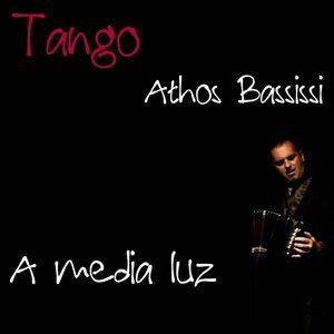 A Media Luz - Tango