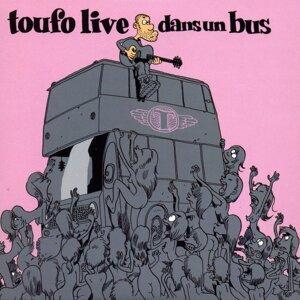 Toufo Live dans un bus
