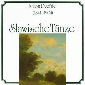 Anton Dvorak: Slawische Taenze