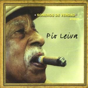 Soneros de Verdad Presenta Pío Leiva - Soners De Verdad Present Pío Leiva