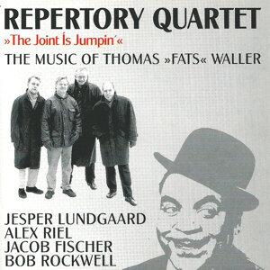 The Joint Is Jumpin' - Music of Fats Waller (feat. Jesper Lundgaard, Bob Rockwell & Jacob Fischer)