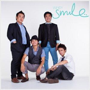 Windy Smile - Single