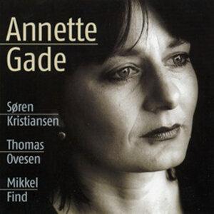Annette Gade (feat. Søren Kristiansen)