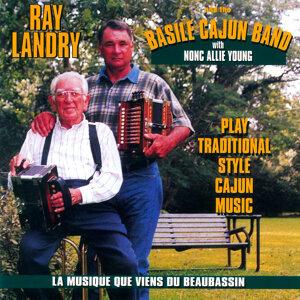 Play Traditional Cajun Music: La Musique Que Viens Du Beaubassin