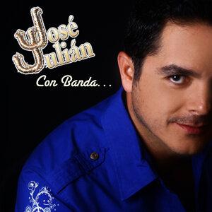Jose Julian Con Banda
